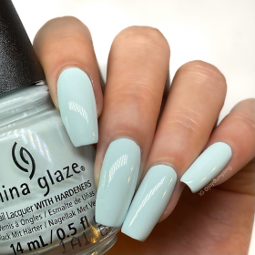 China Glaze Nail Lacquer, Live In the Mo-Mint, 0.5 fl oz